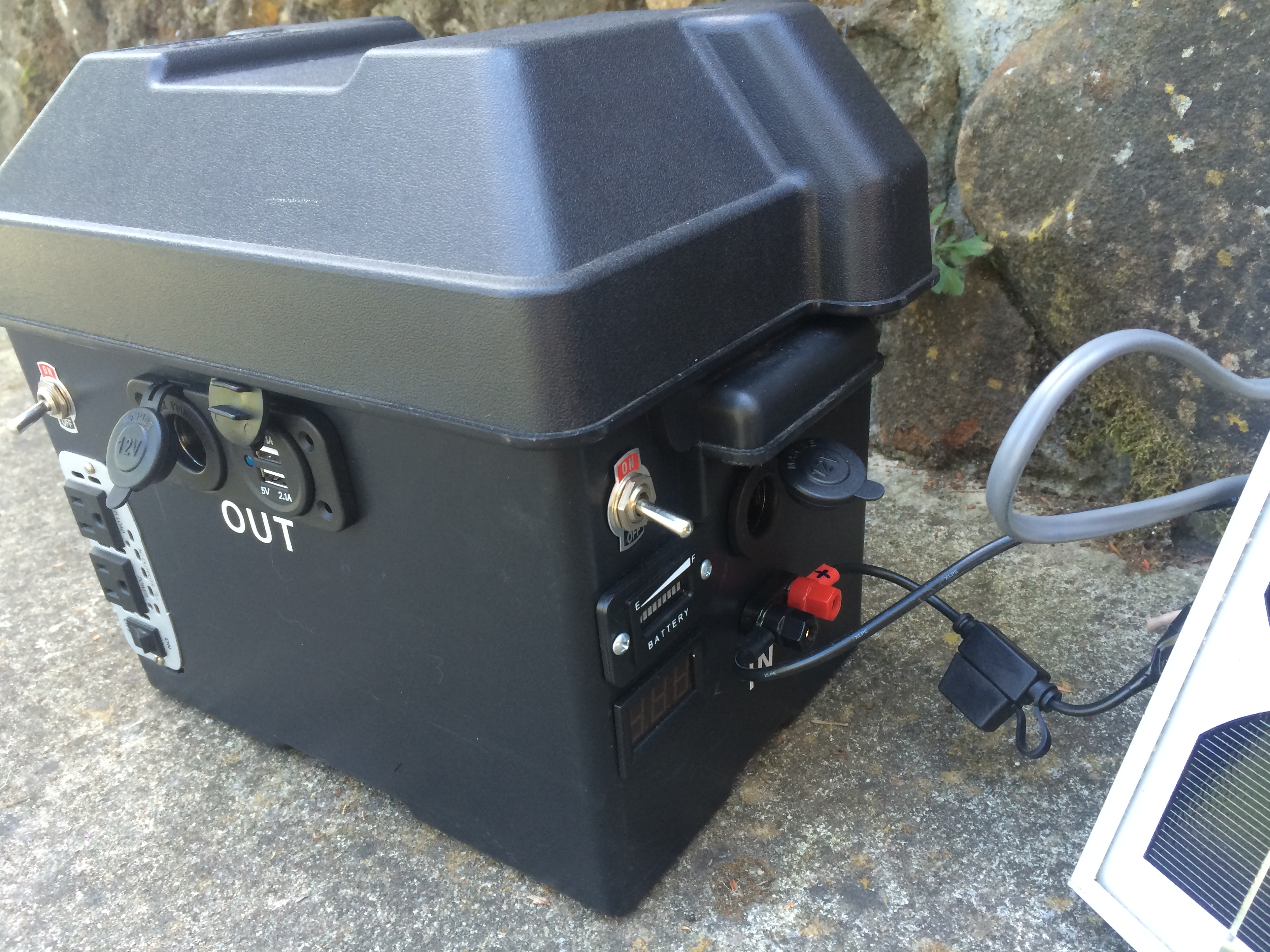Mobile Small Power Box - 12V 200W